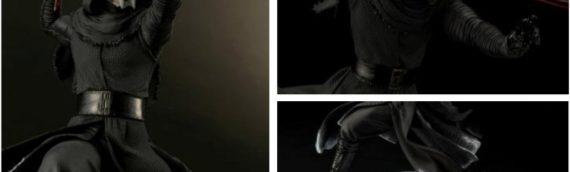 Kotobukiya – ArtFX Kylo Ren (with melted Vader helmet base)