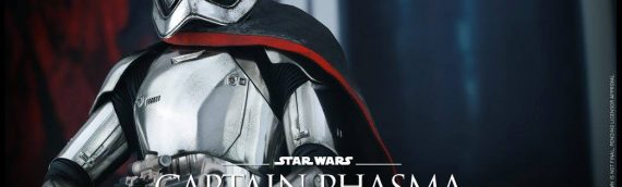 Hot Toys : Captain Phasma 1/6 Scale Movie Masterpiece Figure