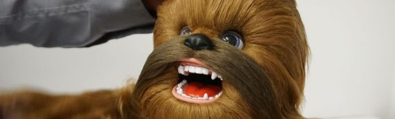 HASBRO – FURREAL  Co-pilot CHEWBACCA au Toy Fair