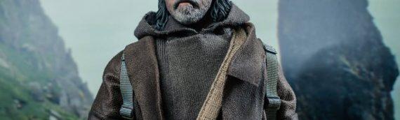 HOT TOYS – Luke Skywalker The Last Jedi Sixth Scale Figure en version de production