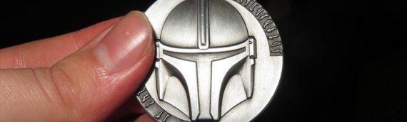 """Un coin """"MANDALORIAN"""" offert par Jon Favreau à un fan"""