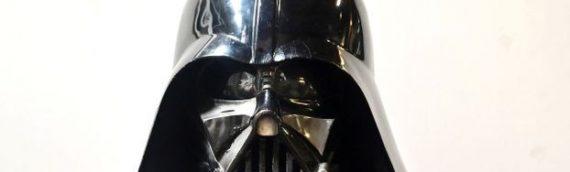 Un des casques de Darth Vader aux enchères!
