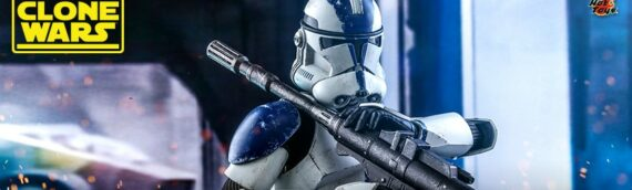 HOT TOYS – 501st Battalion Clone Trooper Sixth Scale Figure Deluxe