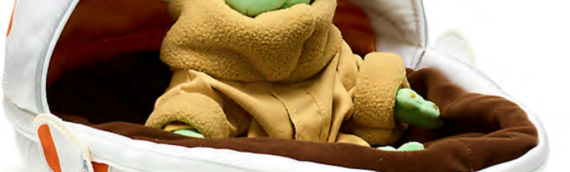 Shop Disney – Une peluche de l'enfant dans son berceau