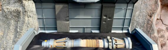 Disney Galaxy Edge – Le sabre-laser Legacy Collection de Rey version TROS